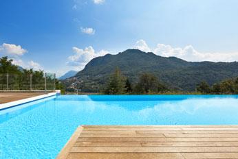 piscine pas ch re avec oz o pertuis pisciniste 1 du vaucluse. Black Bedroom Furniture Sets. Home Design Ideas