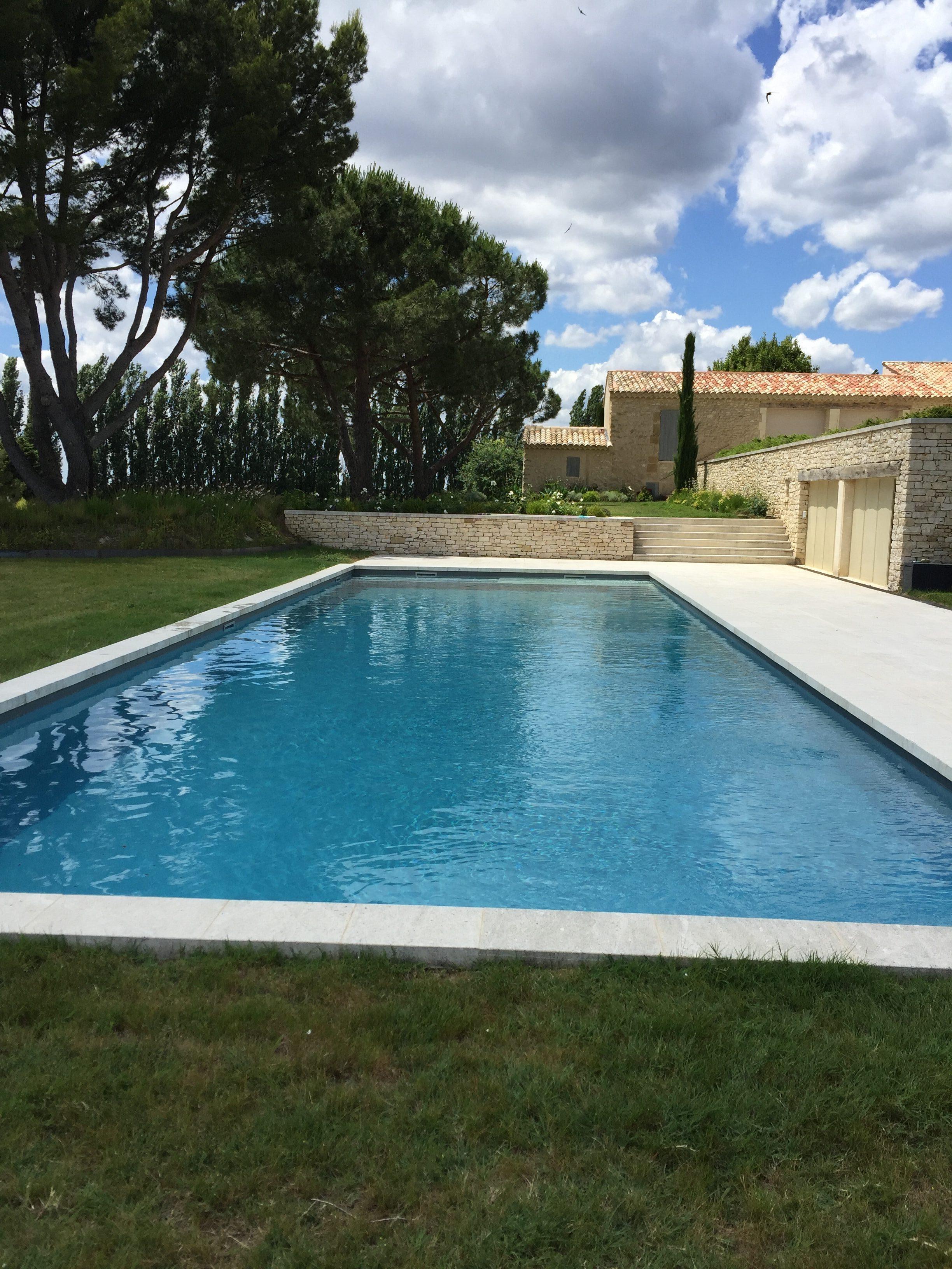 R alisations ozeo pertuis vente jacuzzi et piscine vaucluse for Piscine pvc