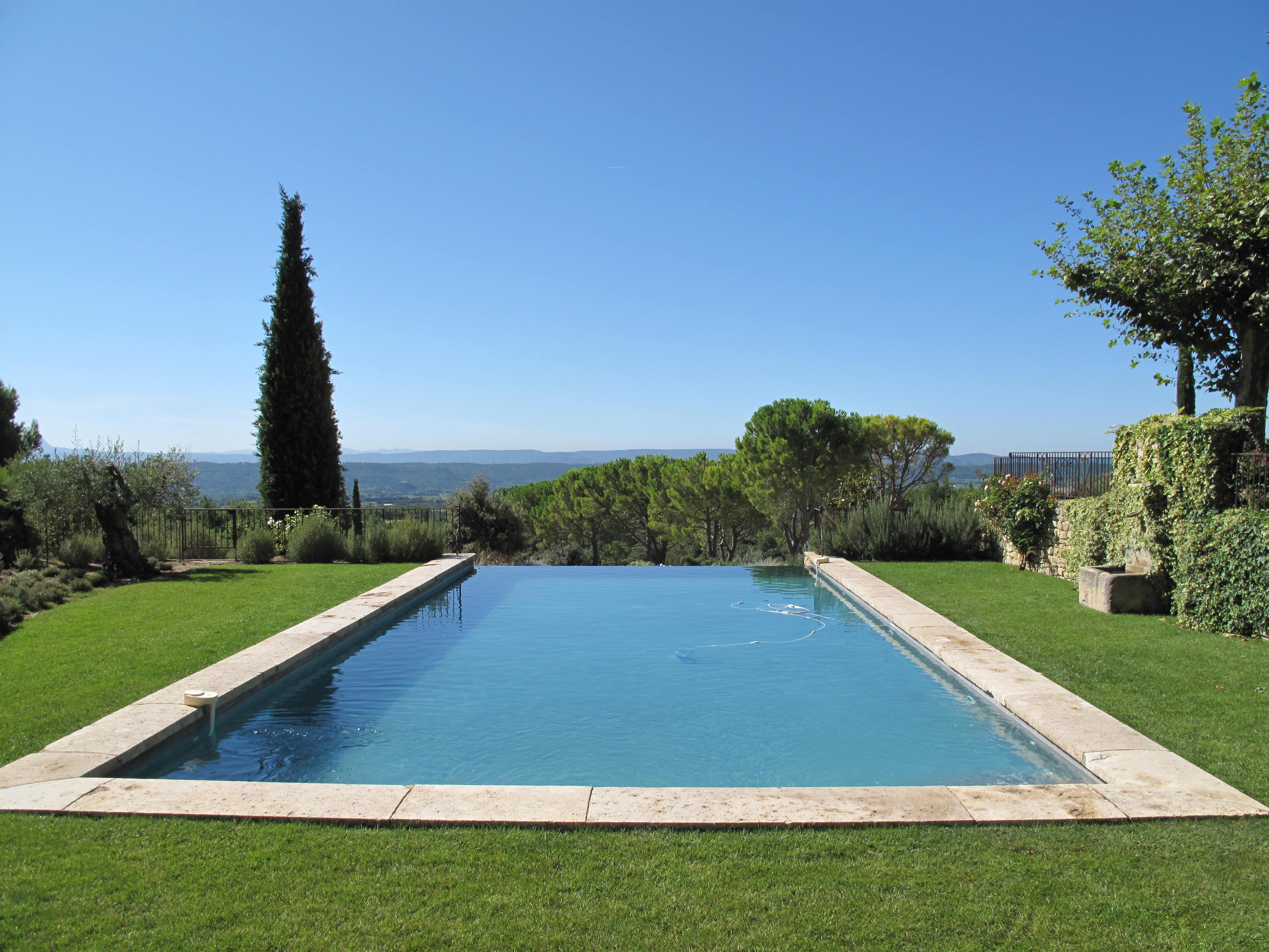 Ozeo piscine pertuis for Piscine miroir vaucluse